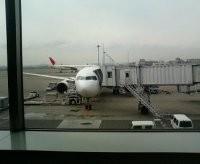 羽田空港に駐機中のB-767